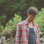 男性が落ち込んでいる時の効果的な励まし方5選